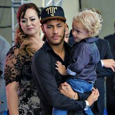 Nadine, Neymar and Davi Lucca Neymar Jr, Lionel Messi, Soccer Boyfriend, Marc Bartra, Daddy And Son, Best Player, Fc Barcelona, Football Players, Sport Outfits