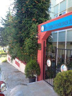 Dünya Erkek Öğrenci Yurdu Çanakkale 18 Mart Üniversitesine yakın ve konforlu.