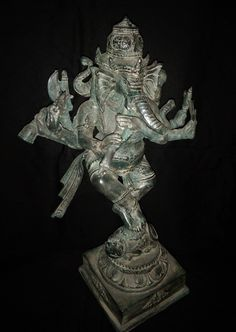 Ganesh Statue Playing Flute Trigana 3 Head Dancing on Mystical Mouse Bronze Brass - Hindu God Ganesha Ganapati Spiritual Sculpture Spiritual Figures, Ganesh Statue, Nataraja, Elephant Head, Ganesha, Flute, Mystic, Dancing, Lion Sculpture
