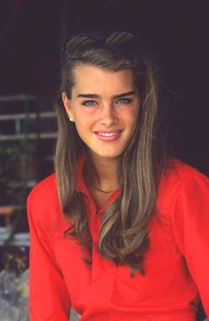 I literally thought brooke shields was the most beautiful person on earth when I was little lol http://www.thepetitionsite.com/920/792/518/dogs-are-people-too-the-colleen-ford-foundation-501c3/