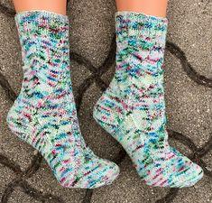 Tinas kreative Seite: Elsa braucht neue Socken - selbstgestrickte Socken