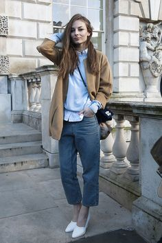 Baggy boyfriend jeans that are still tailored and preppy? Love this look!