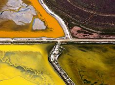 Picture of colorful salt ponds in San Francisco Bay, California (National Geographic)