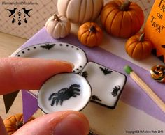 Hummingbird Miniatures Halloween party dishes