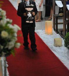 Santo Antônio em feltro 35 cm - porta alianças  Após a cerimônia poderá ser jogado para as amigas no lugar do buquê. R$ 110,00