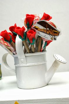 lembranca_canetas_decoradas_com_rosa_o_pequeno_principe_biscuit_personalizadas.jpg (600×902)