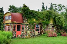 Charles MacDonald Cottage at Huntington Point, Nova Scotia  -- the fact that it's in the east coast is a fantabulous bonus.