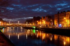 #Dublin at night (by unknown)