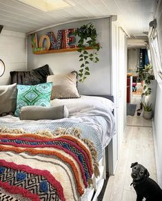 Is it really possible to live on a houseboat?different types of houseboats that are commonly used as fulltime dwellings of vacation homes. Canal Boat Interior, Interior Exterior, Interior Design, Trailers, Narrowboat Interiors, Houseboat Living, Bus House, H & M Home, Tiny House Movement