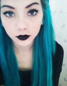 blue hair.  black lips. i strangely love this.