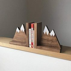 Mountain Peak Book ends Woodland Nursery Decor Stained Wooden Bookends Bookends for kids Mountain Book Ends Hike Decor Kinderzimmer Kids Woodworking Projects, Diy Wood Projects, Wood Crafts, Woodworking Plans, Woodworking Videos, Woodworking Furniture, Popular Woodworking, Woodworking Jointer, Woodworking Basics