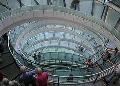 노먼 포스터 : 런던 시청(2002) 템즈강 남쪽 타워 브리지 근처 Norman Foster : London City Hall (2002) The headquarters of the Greater London Authority (GLA) located in Southwark, on the south bank of the River Thames near Tower Bridge