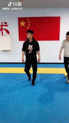 Fight Techniques, Martial Arts Techniques, Self Defense Techniques, Self Defense Moves, Self Defense Martial Arts, Martial Arts Workout, Martial Arts Training, Jiu Jitsu Moves, Self Defence
