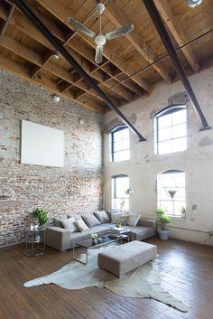 New Ideas Apartment Therapy Loft Bricks Loft Interior Design, Loft Design, Home Interior, Design Design, Interior Livingroom, Eclectic Design, Warehouse Living, Warehouse Loft, Loft Style Apartments