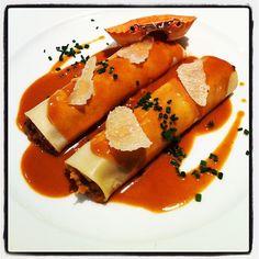 Caneló de bou de mar. Plat del cuiner Toni Gordillo. El Hogar Gallego (Calella), 19 de novembre de 2011
