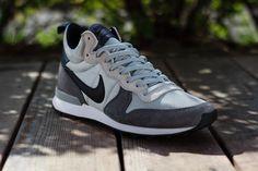 Nike Internationalist Mid: Light Ash Grey