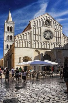 Zadar Cathedral, Europe Travel the world Dubrovnik, Places To Travel, Places To Visit, Plitvice National Park, Croatia Travel, Croatia Itinerary, Eastern Europe, Montenegro, Monuments
