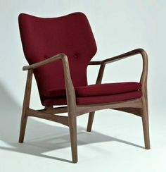 Musca Lounge chair - American Walnut/ Red Fabric