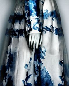 Valentino S.p.A. (Italian, founded 1959). Dress, autumn/winter 2013. White and blue-printed silk organza. The Metropolitan Museum of Art, Gift of Valentino S.p.A, 2015 (2015.49.1) | Photography © Platon #ChinaLookingGlass #AsianArt100