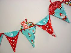 Mack and Mabel: Advent Bunting Tutorial - Advent Bunting Template, Bunting Tutorial, Bunting Pattern, Fabric Bunting, Buntings, Christmas Decorations Sewing, Christmas Sewing Projects, Christmas Crafts, Christmas Ornaments