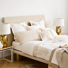 Elégance et raffinement sont les maîtres mots de la collection Zara Home, la preuve avec ce joli linge de lit.