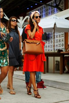 brown + bright orange.. and an Hermes bag =)