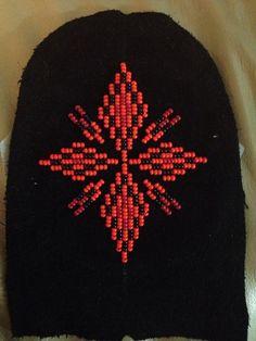 Beading Patterns, Beads, Needlepoint, Embroidery, Beading, Bead Patterns, Pearler Bead Patterns, Pearls, Bead Weaving