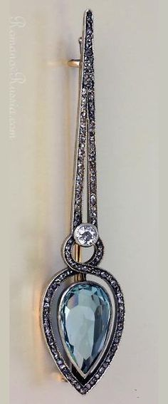 An antique Russian FABERGE silver-topped gold, aquamarine and diamond brooch-pin in Art Deco style, made in St. Petersburg around 1910 by Alfred Thielemann, via Romanov Russia Aquamarine Jewelry, Antique Brooches, Diamond Brooch, Aqua Marine, Art Deco Fashion, Brooch Pin, Pocket Watch, Russia, Antiques