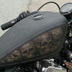 "2,735 tykkäystä, 18 kommenttia - motofashion (@motorfashions) Instagramissa: ""Sick airbrush Follow@motorfashions #harleydavidson #sportster #tank #skull #skulls #bobber #chopper…"""