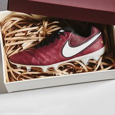 Another look at that special @nikefootball Pirlo Tiempo. Colour on point. Photo…