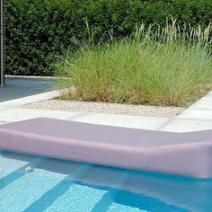 Time to get Mr Blue Sky's floating lounger on the water on this sunny day ☀️