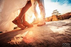 Ми з чоловіком віримо в те що життя і навколишня реальність прекрасні і найбільше наше захоплення - передавати це в фотографіях ^^)