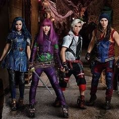 "11.8 tis. To se mi líbí, 49 komentářů – Descendants 2 (@descendants2015) na Instagramu: ""WICKED #DisneyDescendants #Descendants #Descendants2 #DisneyChannel #Disney ❤️"""