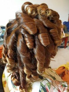 Great Hairstyles, Permed Hairstyles, Love Hair, Gorgeous Hair, Beautiful, Eyebrows Goals, Short Permed Hair, Sexy Curls, Spiral Curls