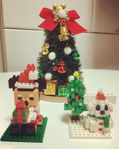 早速購入したnano blockを2人で作ってみようっ♪ それはもう黙々と(笑) 完成♡ 可愛いっっ(๑>◡<๑) 毎回パークに行くたび集めようと決めました! #tdr #お土産 #ナノブロック #nanoblock #ミッキー #クリスマス #Christmas #サンタ #雪だるま #クリスマスツリー #地味な作業大好き #コレクション