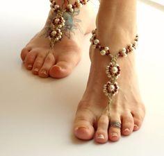 Flores de perlas y piedras