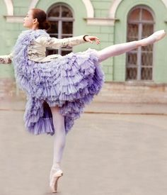 Yeah, I put on a gorgeous and heavy lavender coat every time I ballet in the streets. Normal.