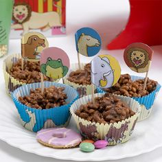 Dear Zoo Cupcake Cases And Picks, This pack of Dear Zoo cupcake cases and picks are a great addition to your sweet treats. Pack contains 100 cake cases in 2 designs with 10 animal picks. Safari Birthday Party, 2nd Birthday Parties, Jungle Party, Birthday Ideas, Birthday Cake, Dear Zoo Cake, Dear Zoo Party, Zoo Party Themes, Party Ideas