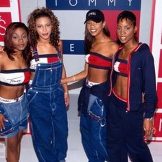 Hip-hop musicians and groups had a huge influence on fashion during the They promoted labels and advertised with their outfits. Above is an image of Destiny's Child promoting Tommy Hilfiger jeans. 1990s Fashion Trends, Fashion Guys, Early 2000s Fashion, 90s Fashion Grunge, Hip Hop Fashion, Child Fashion, Fashion 2017, 1990s Fashion Women, Fashion Boots