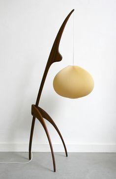 "Lampe ""Mante Religieuse"" en acajou de Rispal, 1950"