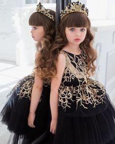 Clothes For 5 Year Girl Beautiful Little Girls, Cute Little Girls, Beautiful Children, Beautiful Babies, Cute Kids, Fashion Kids, Girl Fashion, Latest Fashion, Fashion Dresses