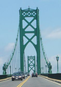 Mt.Hope Bridge, Bristol /Portsmouth RI. Love this bridge, loved my commute from URI to Bristol