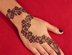 Collection of best and most simple mehndi designs for kids, babies, and toddlers to brighten their hands with great henna designs. Henna Hand Designs, Eid Mehndi Designs, Mehndi Designs Finger, Stylish Mehndi Designs, Mehndi Designs For Beginners, Mehndi Designs For Fingers, Beautiful Mehndi Design, Latest Mehndi Designs, Henna Tattoo Designs