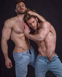Stunning hammering from two hot hunks