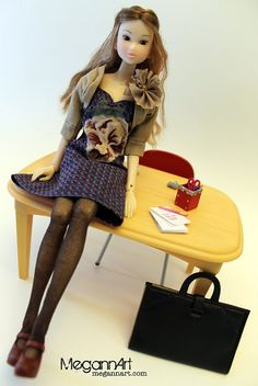 Momoko dollies at work! Design by MegannArt on Etsy.
