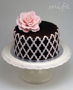 Chocolate Cake with morrocan lattice onlay good example of fondant overlay Gorgeous Cakes, Pretty Cakes, Cute Cakes, Amazing Cakes, Fondant Cakes, Cupcake Cakes, Mini Cakes, Bolo Chalkboard, Single Tier Cake