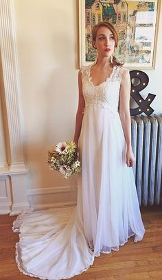 Love this website! They update or fix up vintage wedding dresses! mrsrobinsonsdaughter | NOT YOUR MOTHER'S DRESS http://www.mrsrobinsonsdaughter.com/