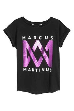 Jersey Top with Printed Design - Black/Marcus & Martinus - Kids Jersey Shirt, H&m Online, White Hoodie, Fashion Online, Kids Fashion, Cool Outfits, Short Sleeves, Graphic Sweatshirt, T Shirts For Women