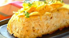 Quick dinner ideas are worth their weight in gold! Here is a chicken pasta loaf with a chip topping that is a treat for the kids. Come Dine With Me, Chicken Pasta, Cornbread, Mashed Potatoes, Crisp, Treats, Dining, Ethnic Recipes, Food