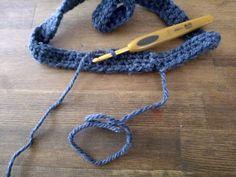 【百均毛糸で!】超簡単!被るだけで猫耳♡帽子を編んでみよう!|LIMIA (リミア) Crochet Necklace, Bracelets, Jewelry, Fashion, Moda, Jewlery, Crochet Collar, Bijoux, Fashion Styles